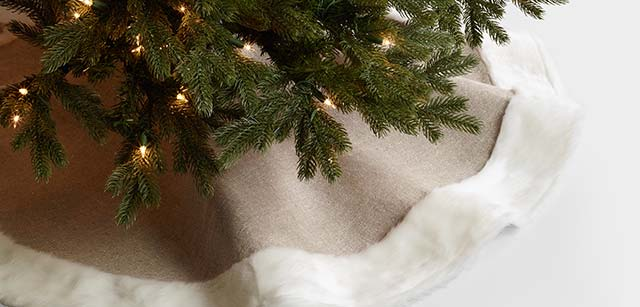 Save 25% All Tree Skirts