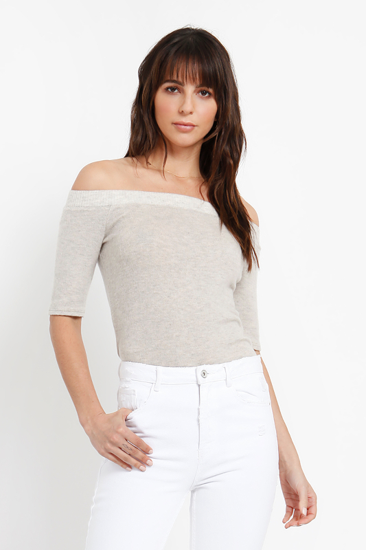 BRUSHED SWEATER OFF SHOULDER TOP