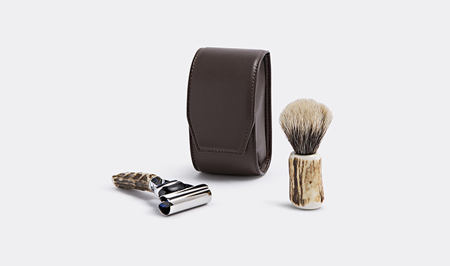 Stag antler travelling shaving set by Lorenzi Milano