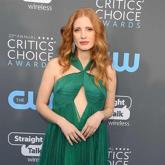 5 Colors That Look Amazing on Redheads