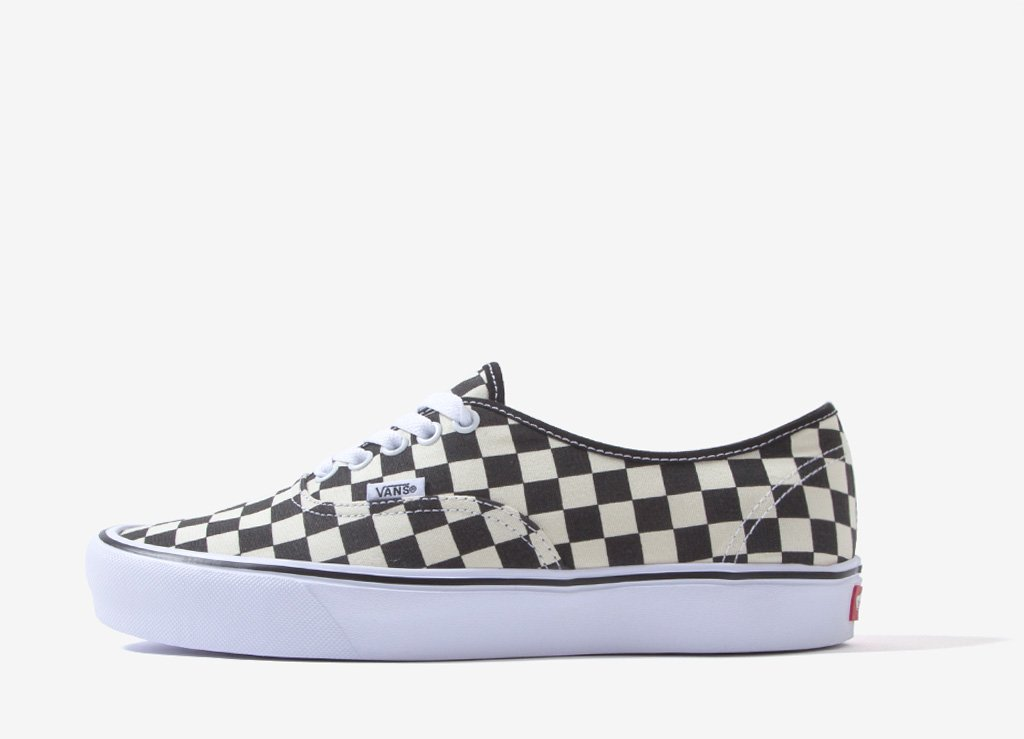 vans slip on checkerboard lite
