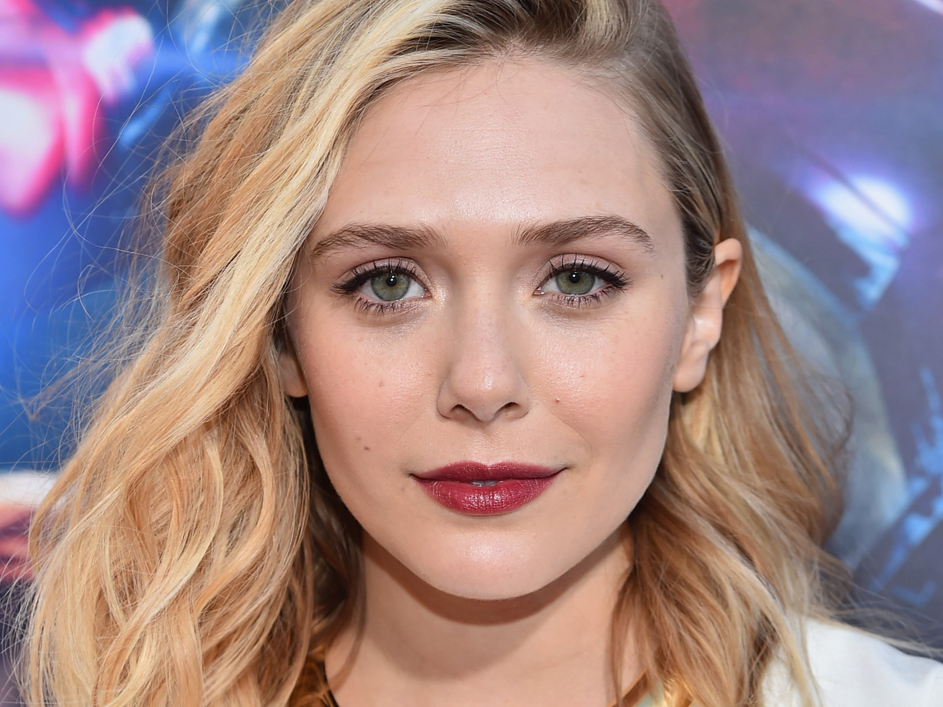 Elizabeth Olsen slams 'Avengers' costume: Im the only one who has cleavage