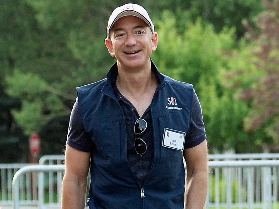 Jeff Bezos says his advice to Amazon interns and execs is to stop aiming for work-life 'balance'  here's what you should strive for instead