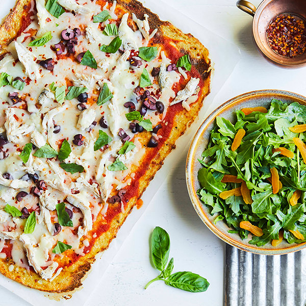 CAULIFLOWER CRUST MEDITERRANEAN CHICKEN PIZZA