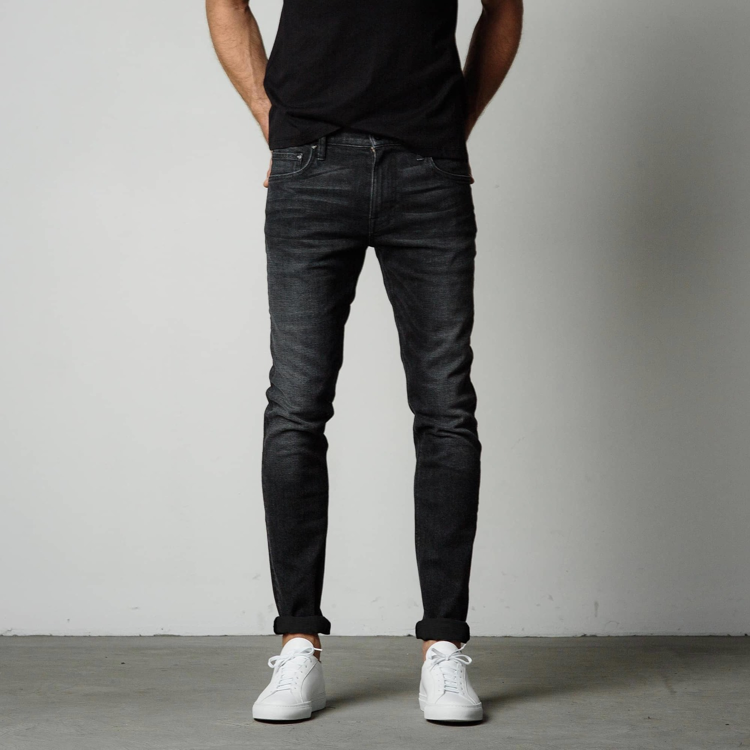 Skinny Jeans in Faded Black