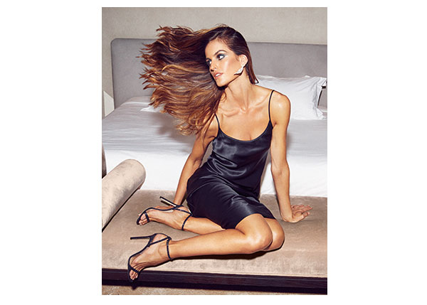 Izabel Goulart Underlined