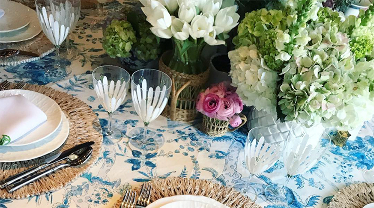 A GUIDE TO SETTING SUMMER TABLES