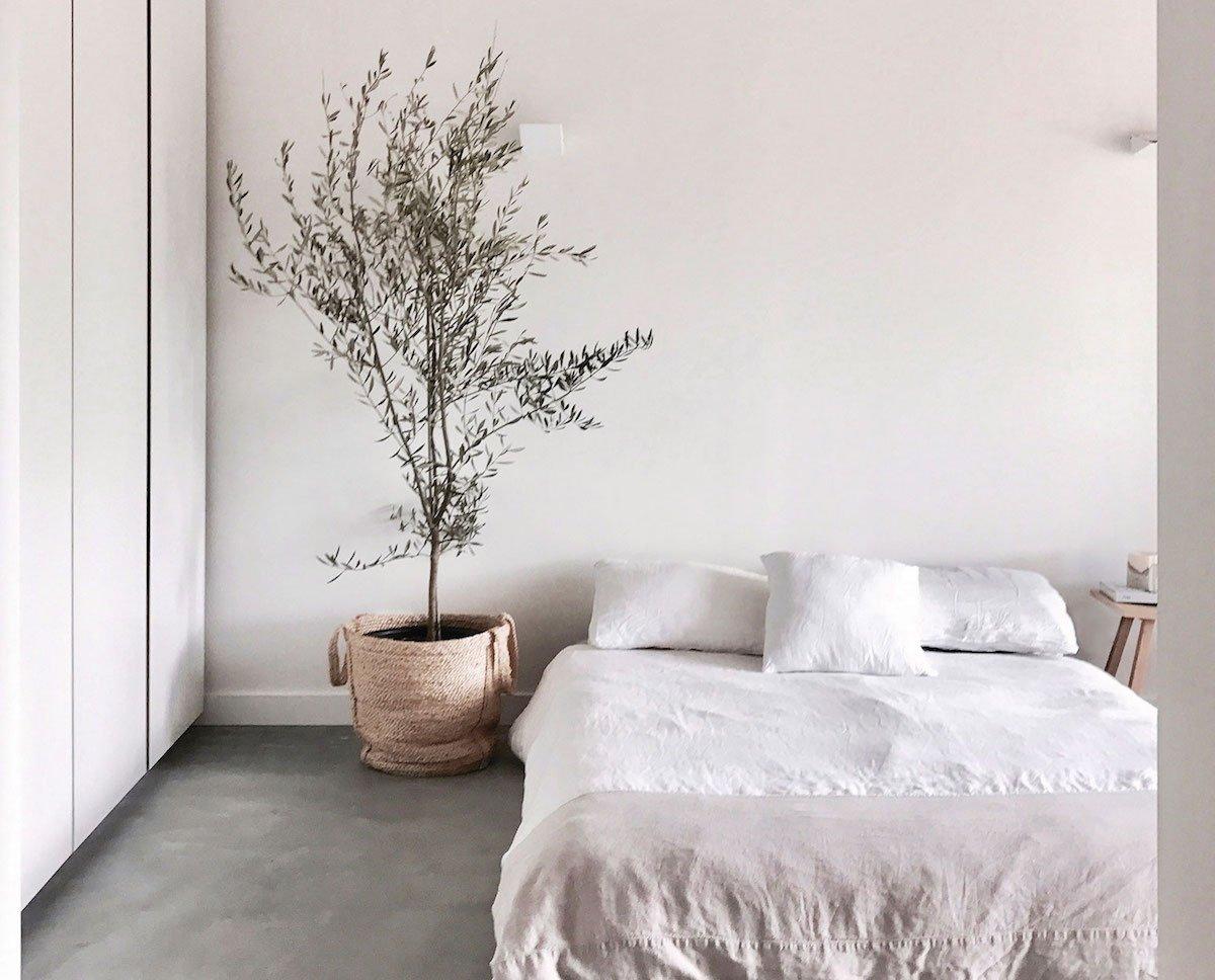 9 Essentials for a Minimal, Comfortable, Sleep-Inducing Bedroom