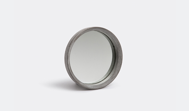 'Renzo I Mirror' by Forma&Cemento