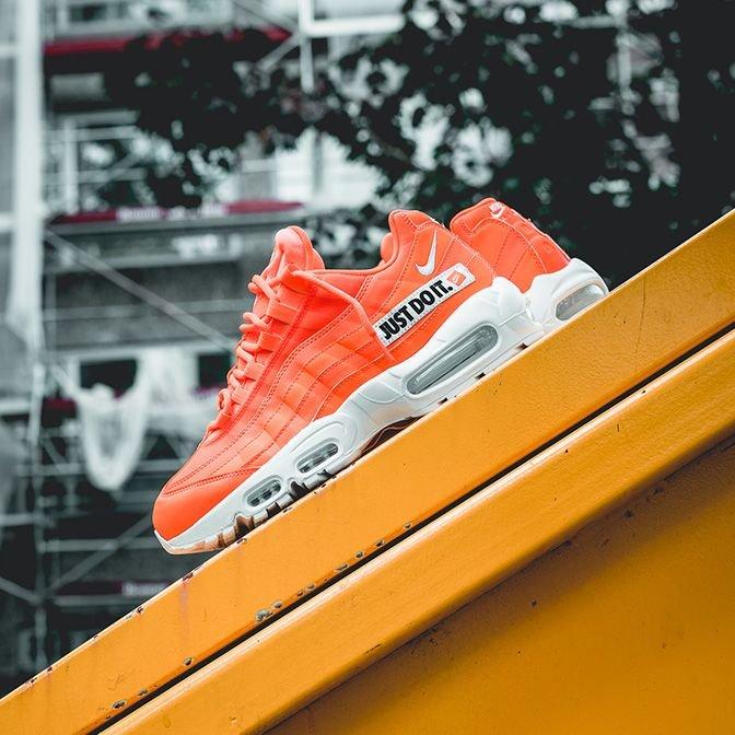 new styles 962b8 33e8a Snipes NL: Boost je sneakercollectie met een icoon: De NIKE ...