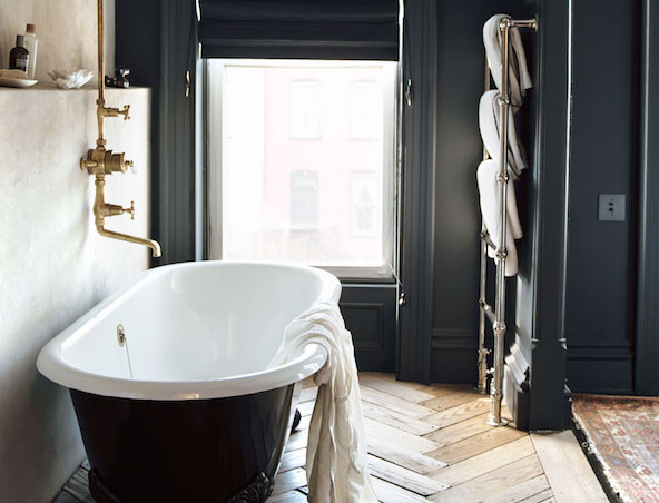 8 Clean Essentials (and 1 Indulgence) for the Bathroom