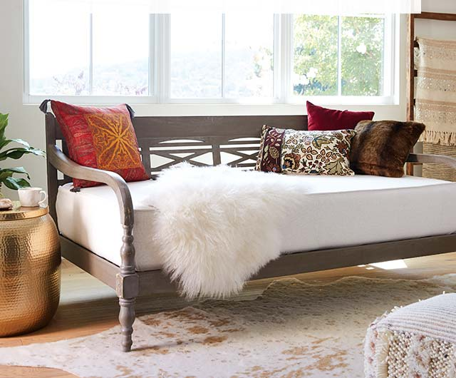 Daybeds And Covers›