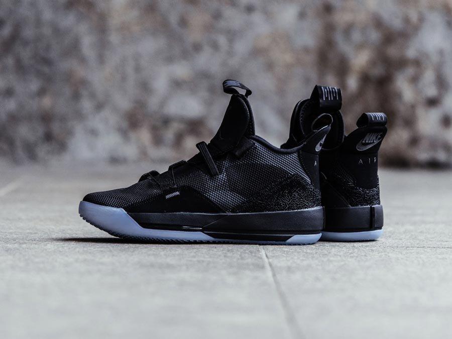 d6c0e4b24707 Kickz.Com Nl  🔥Hot Releases🔥Air Jordan XXXIII  Blackout  + ...