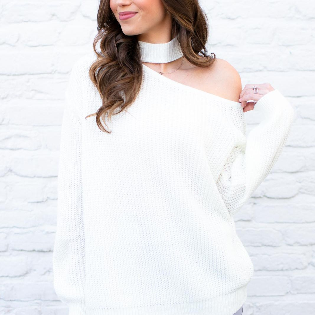The cutest cut out sweater