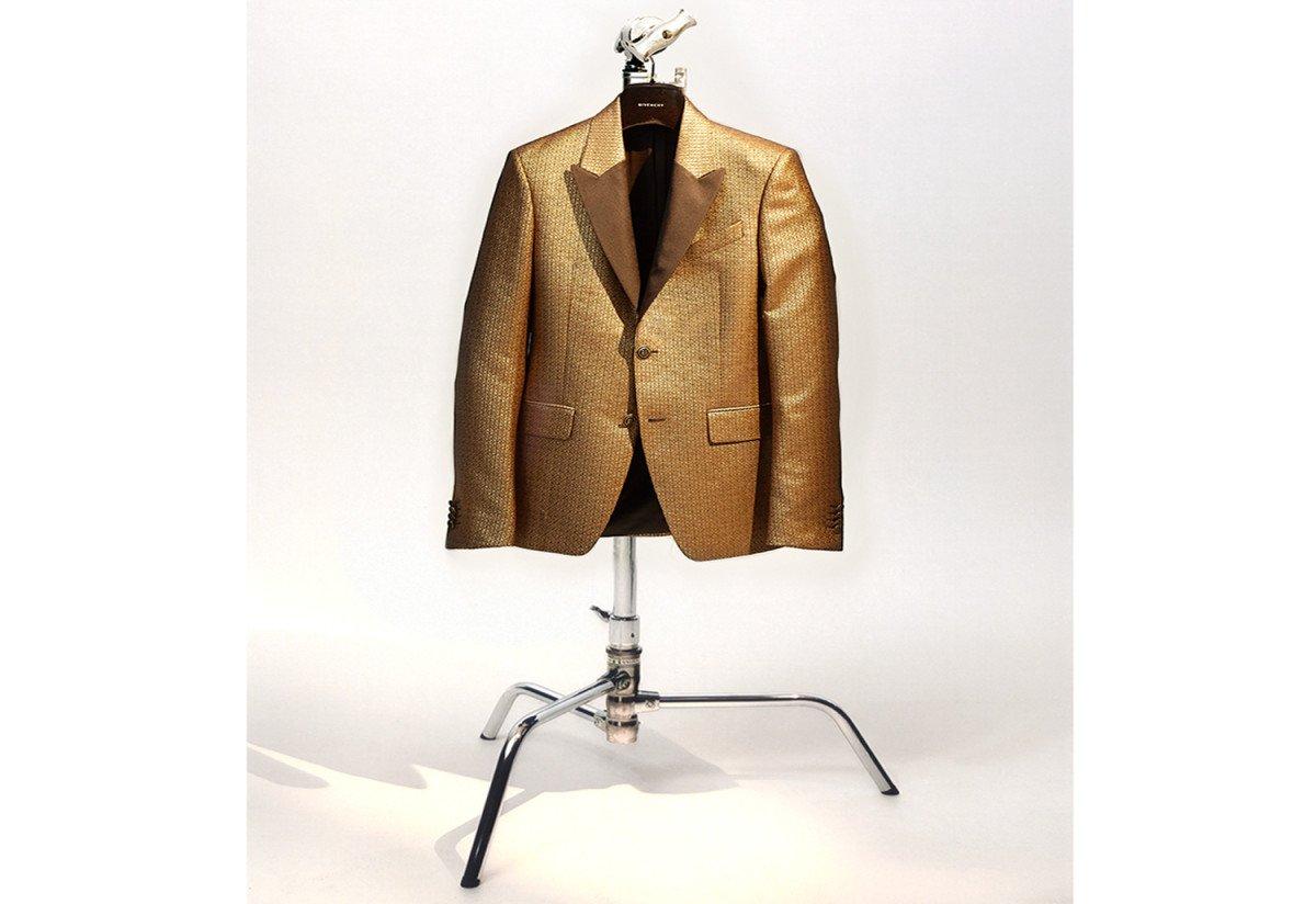 Givenchy-2_M_OFF_MODEL11-1-1_hsnwak.jpg