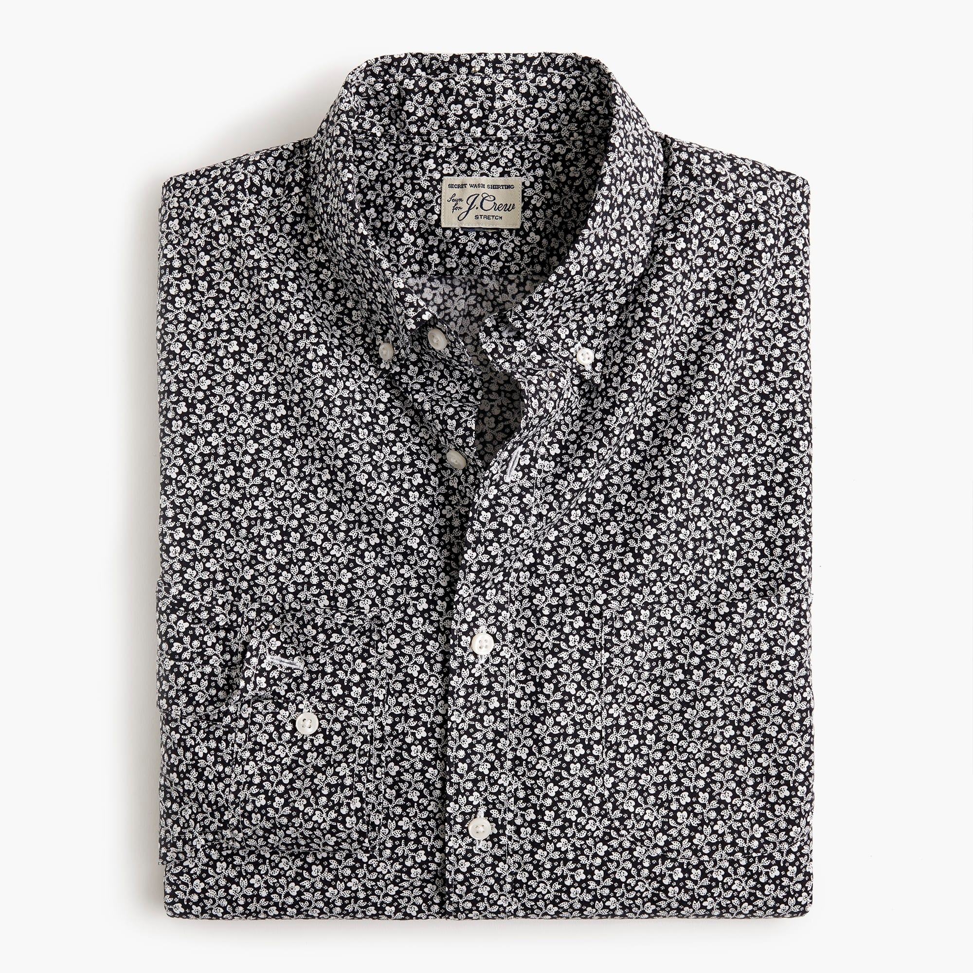 Classic Stretch Secret Wash shirt in black-and-white floral