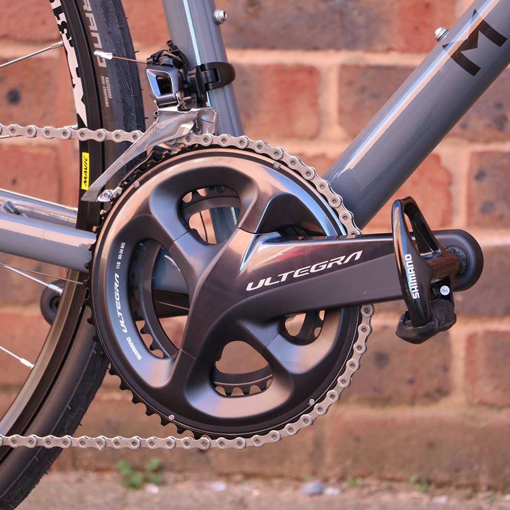 0ea9eb861c5 The ROC Disc Ultegra road bike features powerful Shimano Ultegra BR-B8070  hydraulic disc brakes that deliver consistent braking in all riding  conditions.