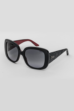 Ladies Square Frame Sunglasses in Black/Gray Gradient
