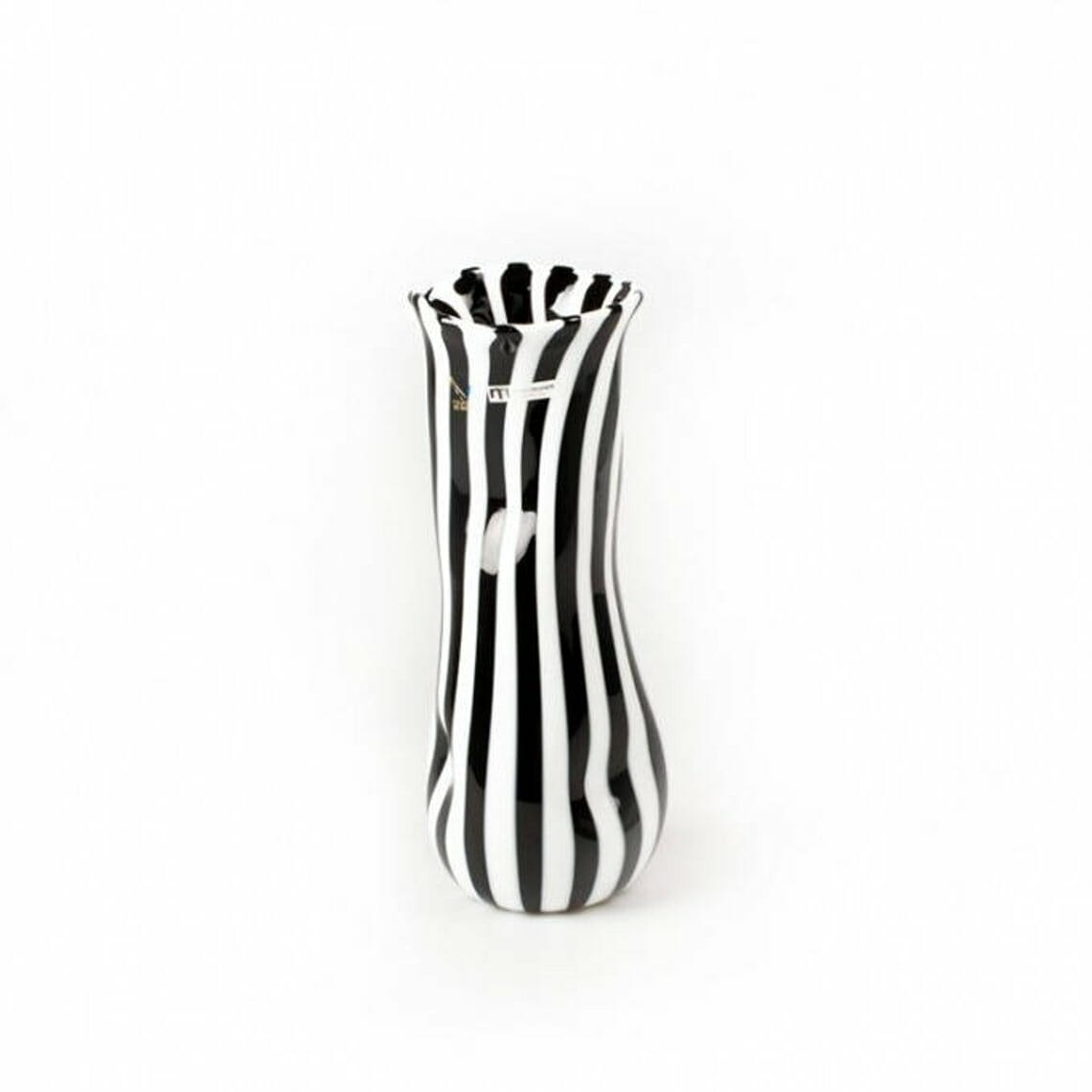 black-and-white-vase.jpg