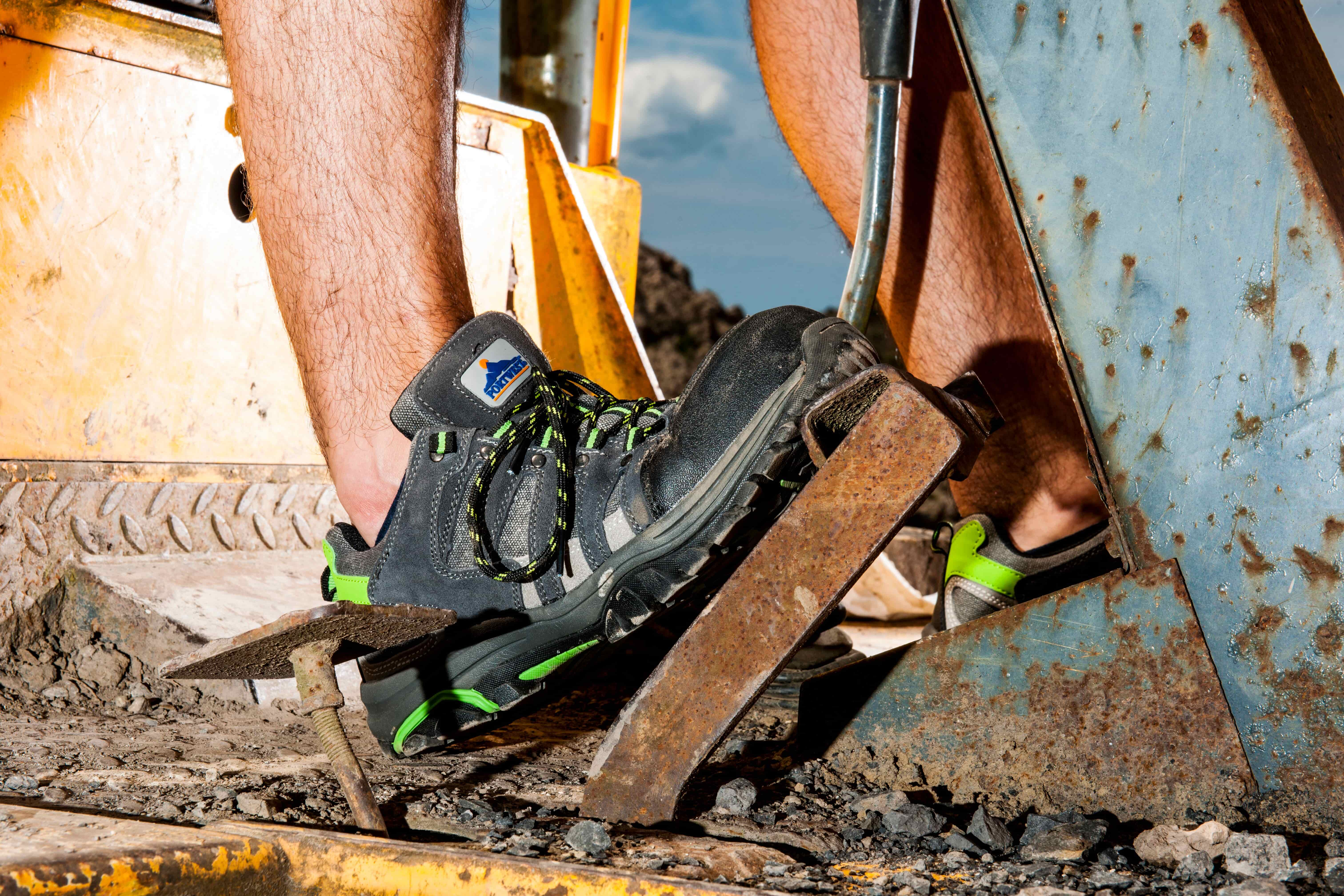 a2e8d2571cfce0 MI Supplies  Get Spring Ready with Our Top Safety Trainer Picks