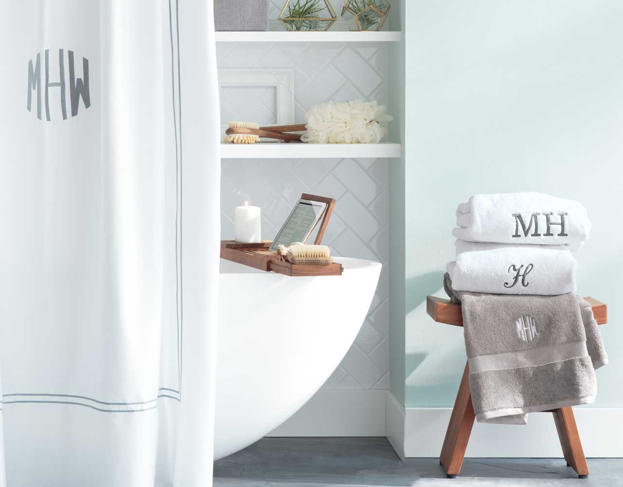 WEEKEND BATHROOM MAKEOVER - Get Inspired