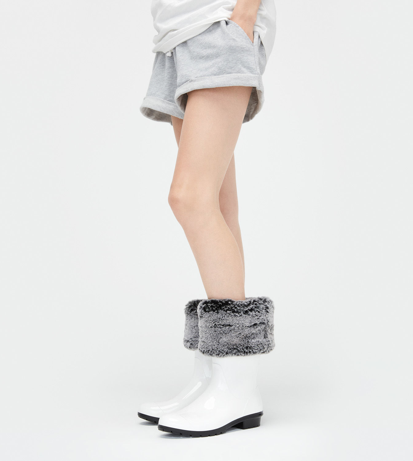 FAUX FUR SHORT RAINBOOT SOCK