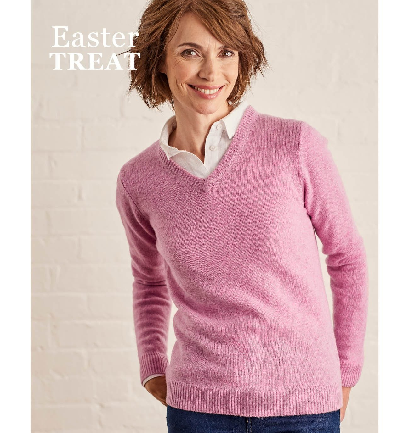 Womens Lambswool V Neck Jumper in Pale Rose