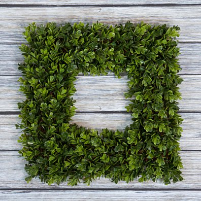 Pure Garden Square Boxwood Wreath - 16.5 inch x 16.5 inch Artificial Indoor Outdoor Floral Decor