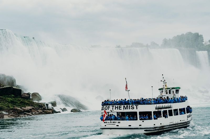 Book a Niagara Falls tour