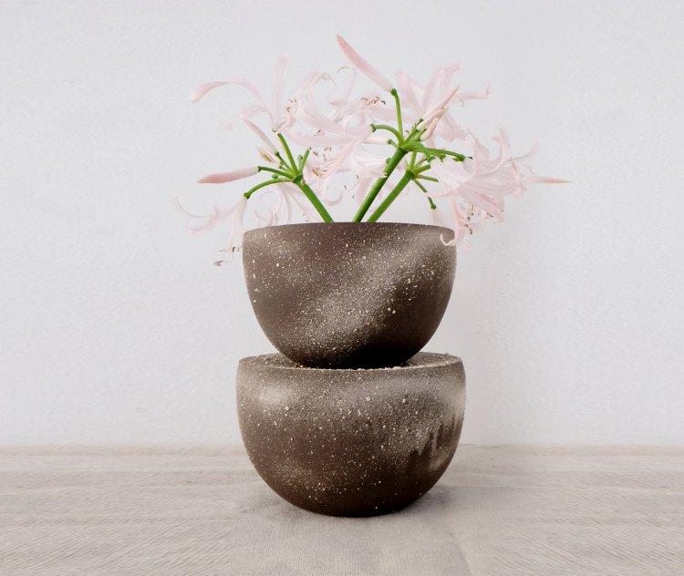 'Bipolar' vase