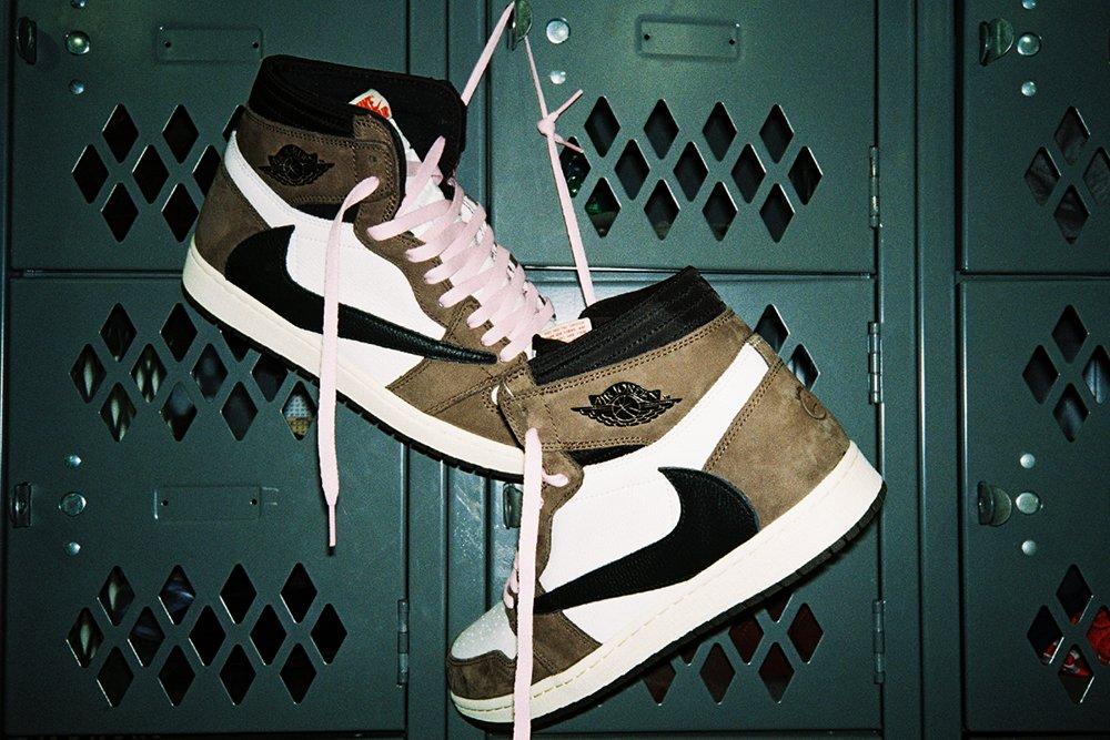 Travis Scott x Air Jordan 1 'Mocha