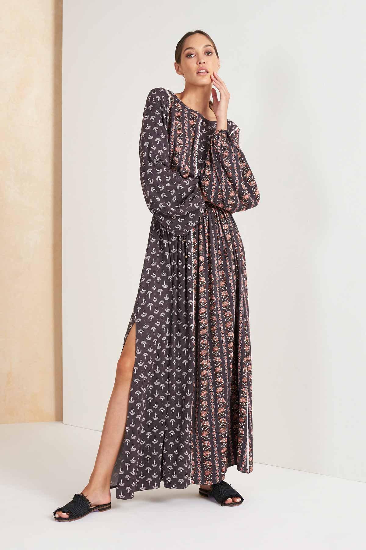 Image of Maripa Longsleeve Maxi Dress - Charcoal