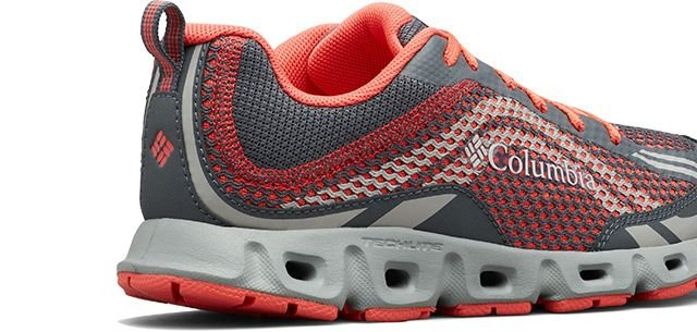 A coral and gray womens Drainmaker IV shoe.