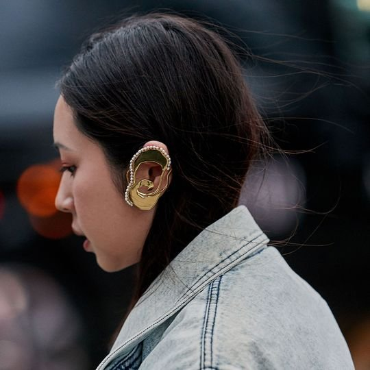 Here's How to Wear an Ear Cuff Like a Fashion Girl