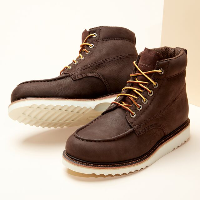 Sneak Peek: Men's Boots Up to 70% Off