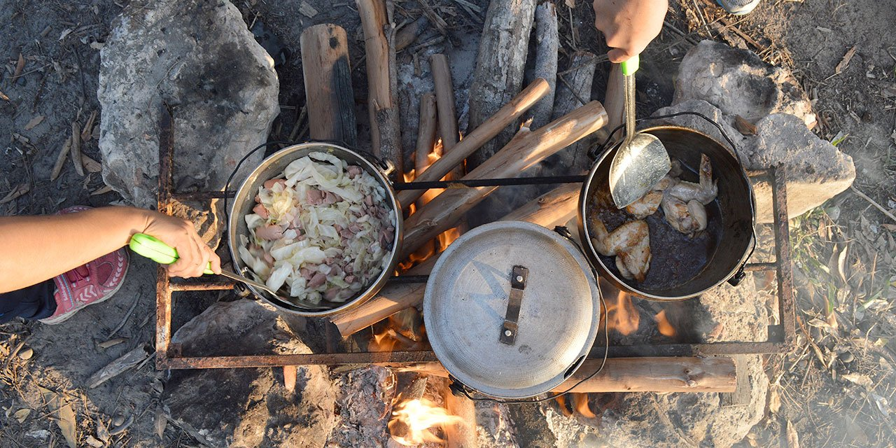 Read outdoor cooking book