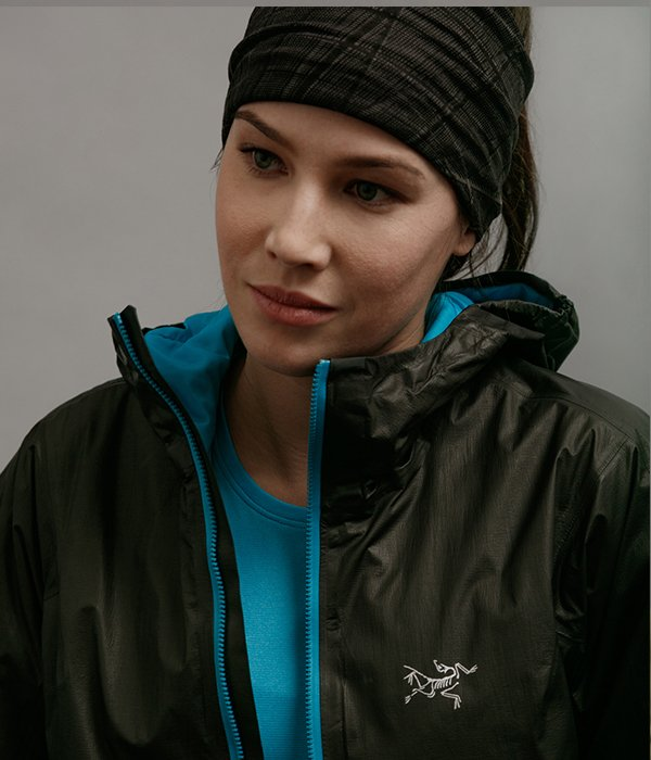 Norvan SL Insulated Hoody Women's in Black/Dark Firoza