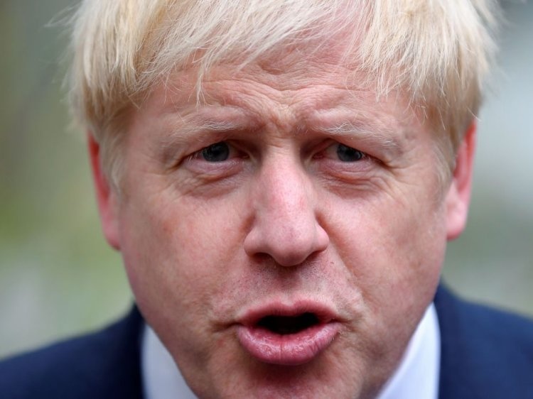 Boris Johnson asks the Queen to shut down Parliament until mid-October in order to force through a no-deal Brexit