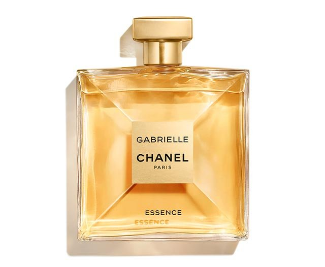 IN A NEW LIGHT. Transition into fall with the new intensely feminine scent of GABRIELLE CHANEL ESSENCE. A voluptuous floral fragrance inspired by the woman who became Coco Chanel.