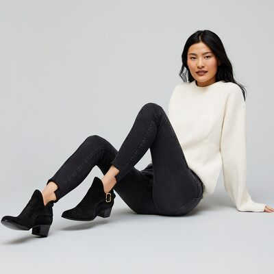 The Pairs to Wear: Mavi Denim & More