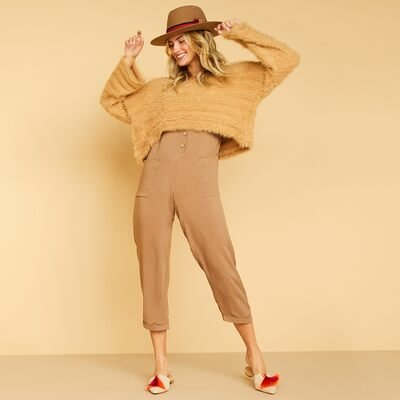 Effortlessly Cool: dee elly & More from $20