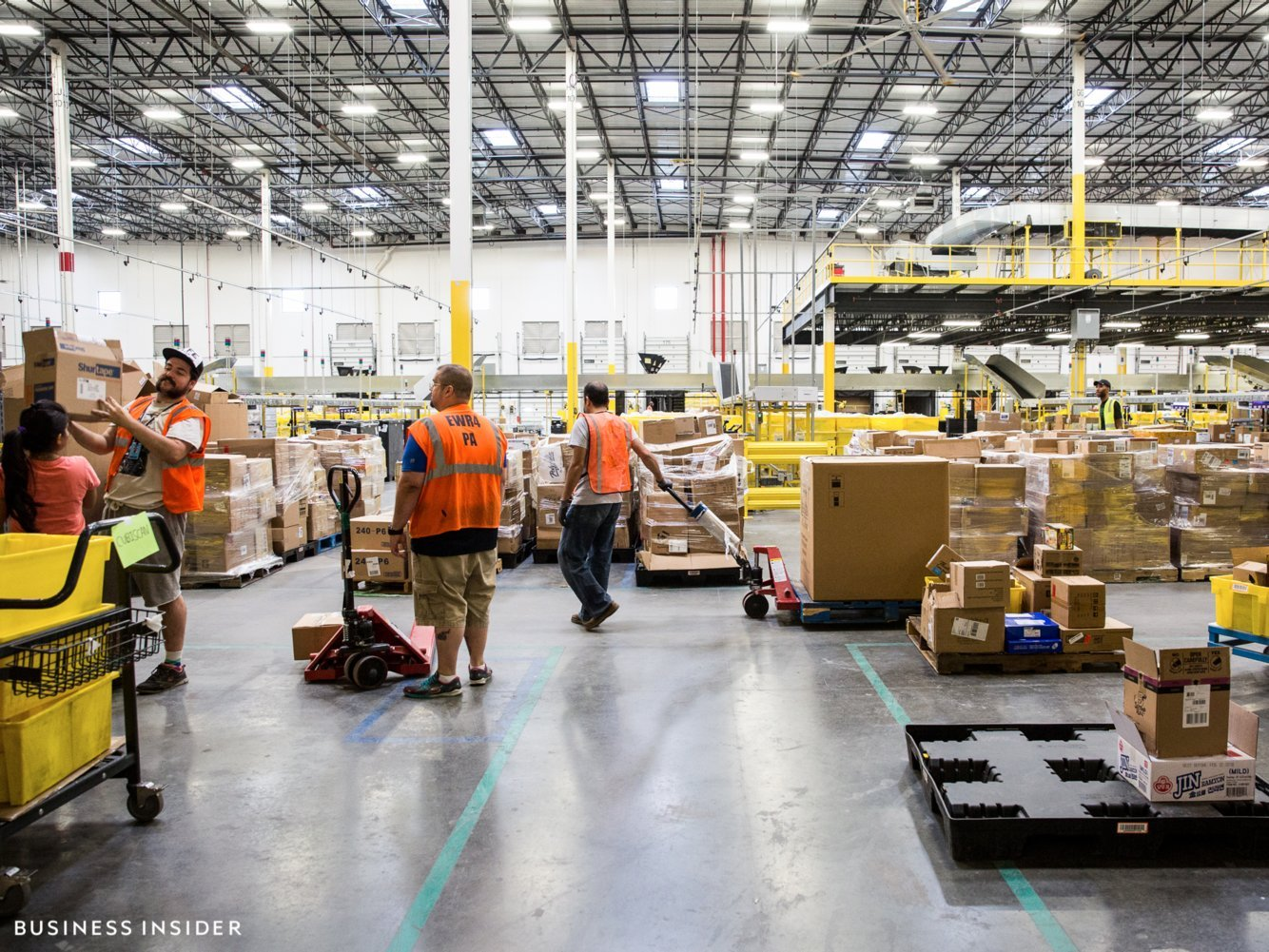 Amazon is holding a nationwide career fair to hire 30,000 permanent jobs — here's what a similar event was like at an Amazon warehouse in 2017