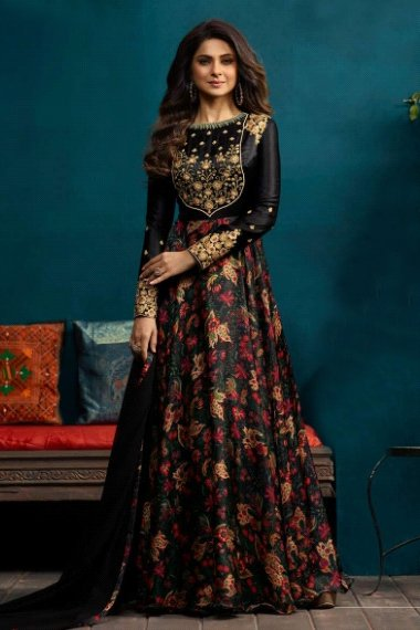 Jennifer Winget Satin Silk Embroidery Gown In Black Colour