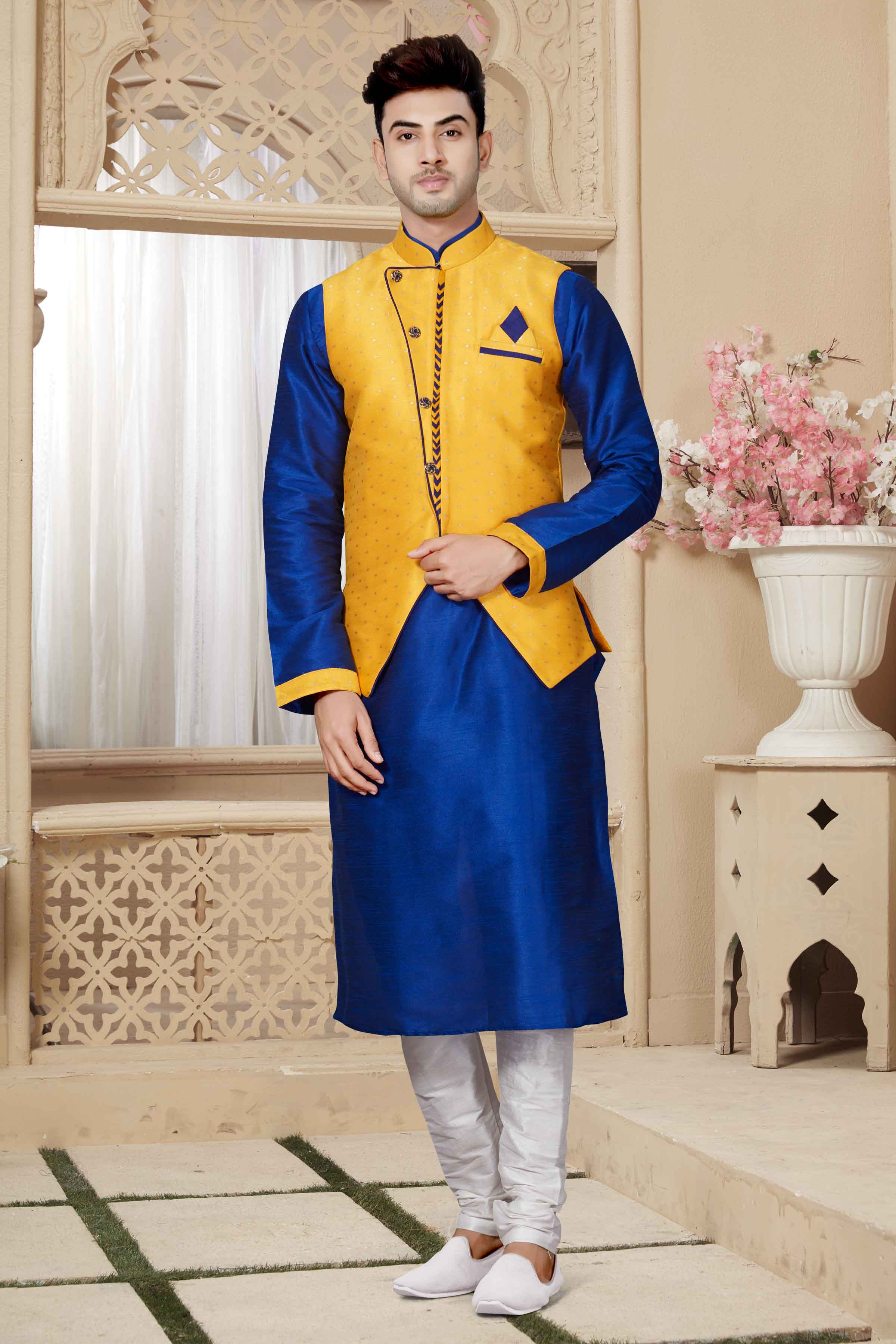Art Dhupion Kurta Pajama In Royal Blue Colour