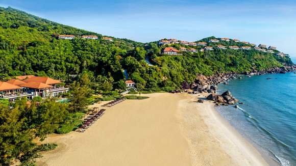 Award-Winning Pool Villa Luxury with Bottomless Sparkling Breakfast & Nightly Cocktails