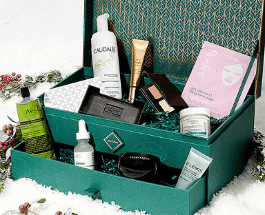 <b>SKINSTORE EVERGREEN HOLIDAY COLLECTION</b>