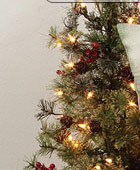 Pinecone & Berries Mini Tree