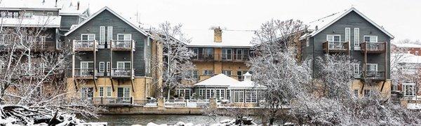 Romantic Four Diamond Inn on Shores of Fox River