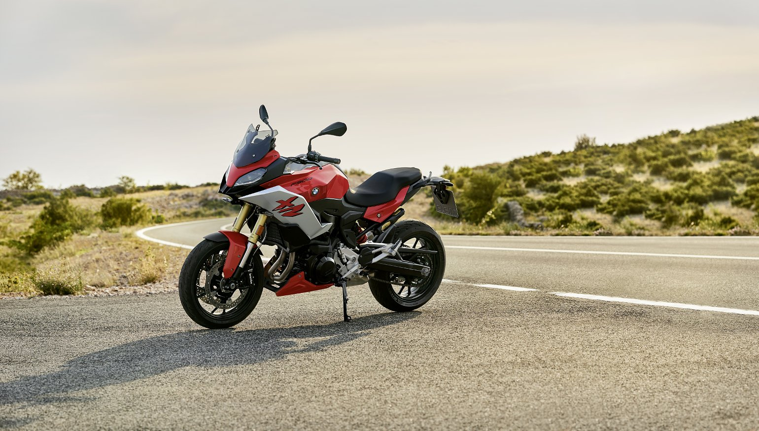 BMW S 1000 XR, F 900 R, and F 900 XR first look